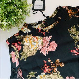 Bobeau Cold Shoulder Top 1X Black Floral
